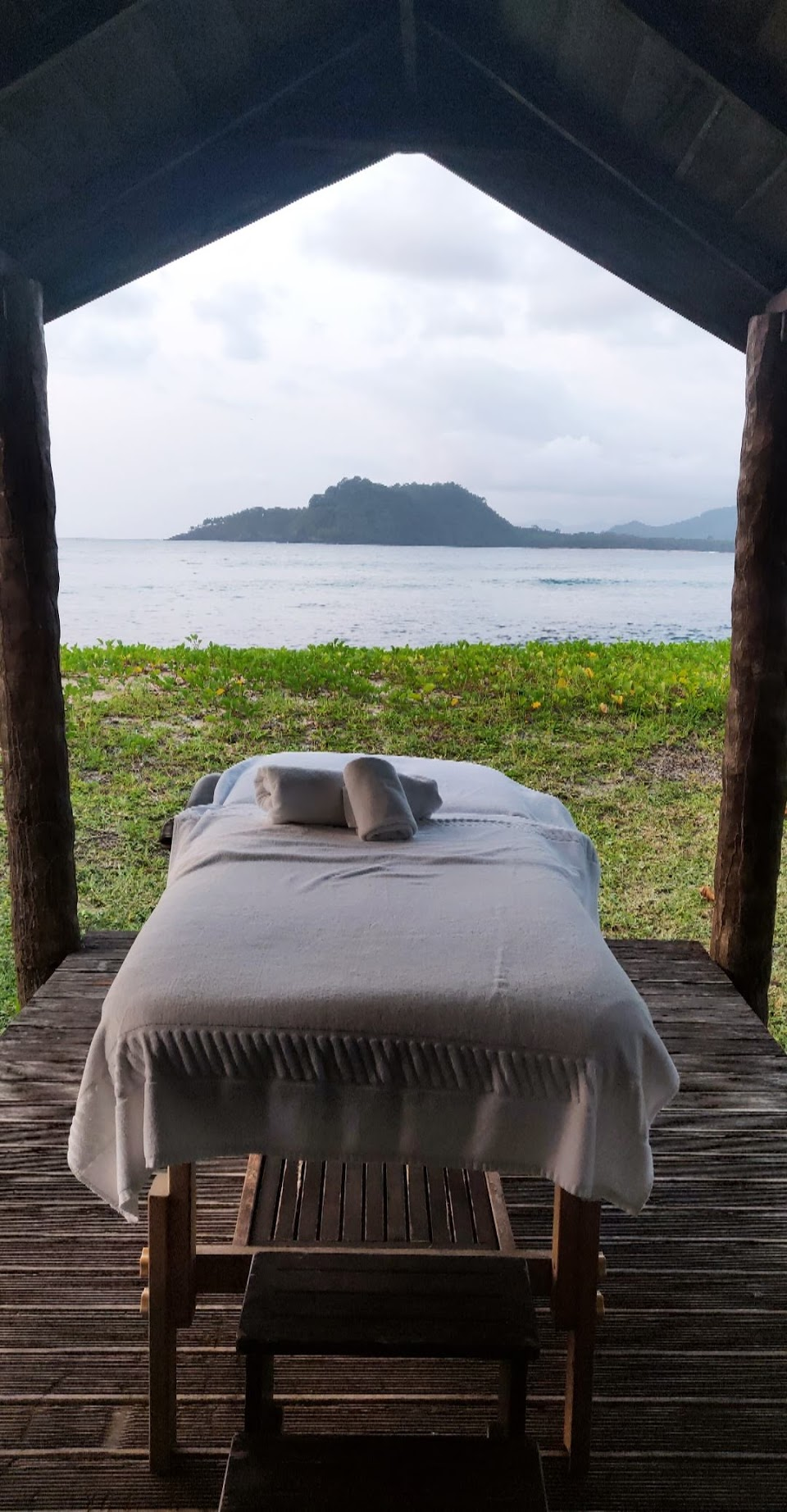 Where to stay in Sao Tome - Massage with a view - Hotel on the equator - Hidden destinations