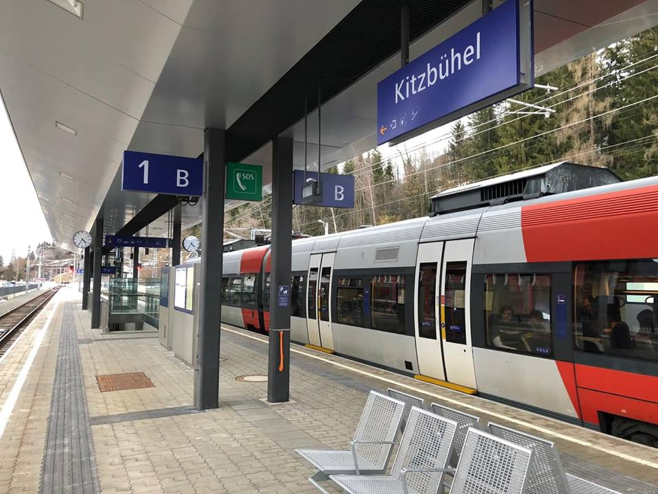 Kitzbühel Trein Oostenrijk TravelRebel