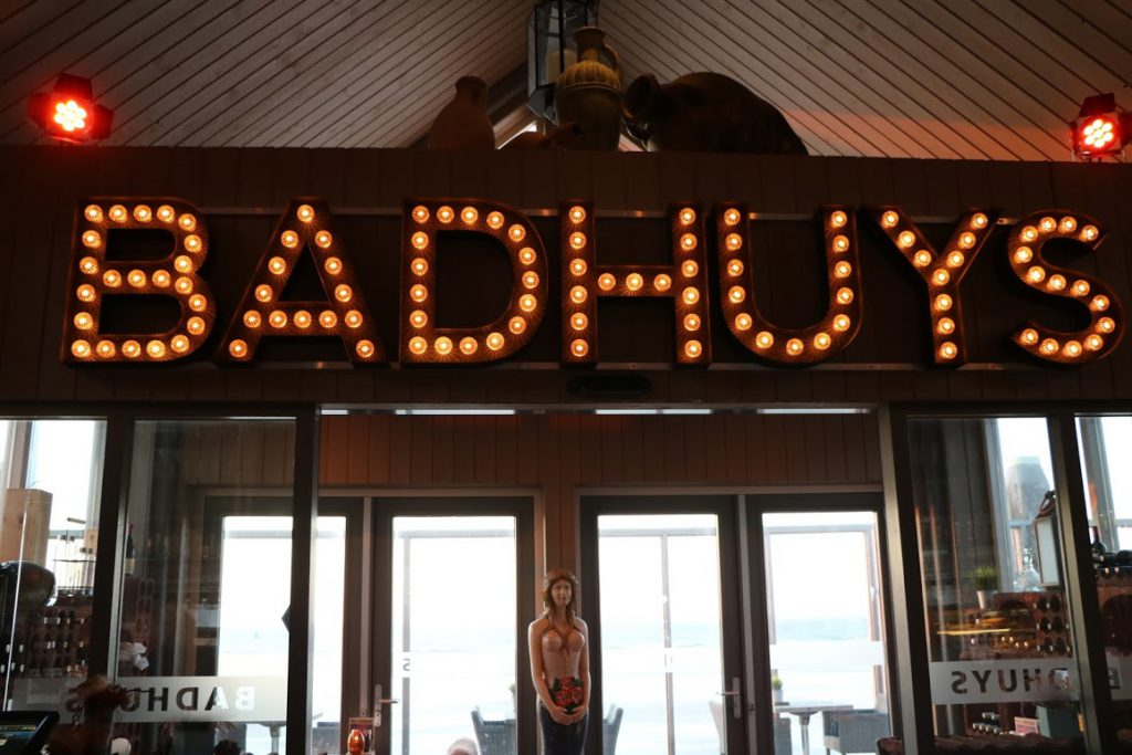 Strandpavilioen Badhuys Vlieland Waddeneilanden Nederland