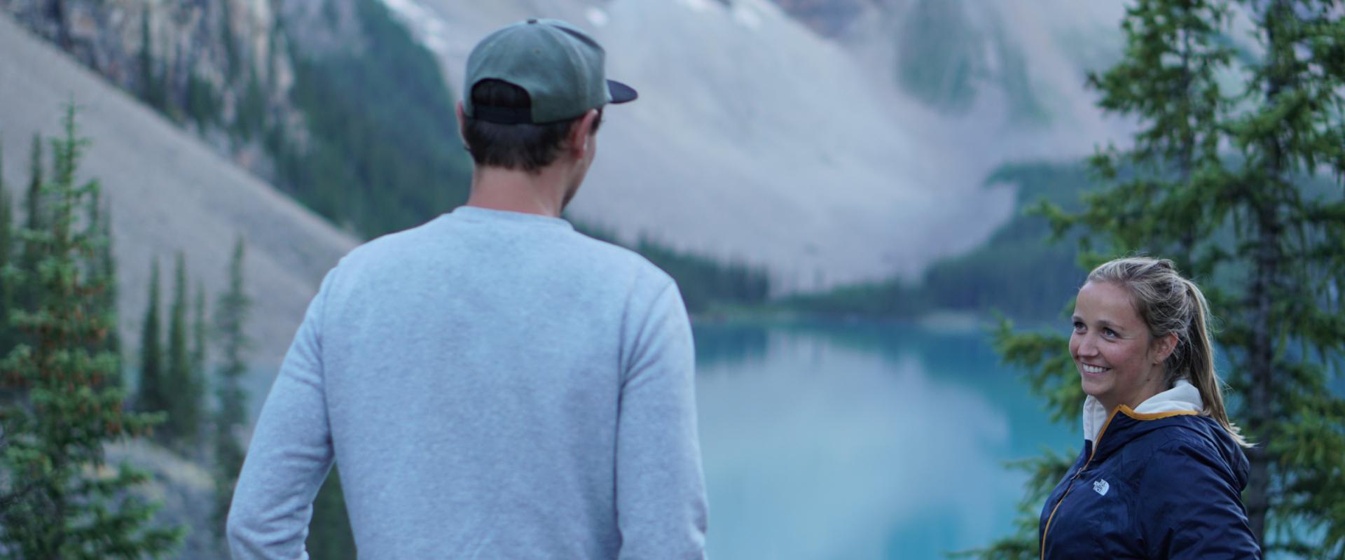 Duurzaam reizen in West-Canada: Kies voor zonsondergang aan Moraine Lake