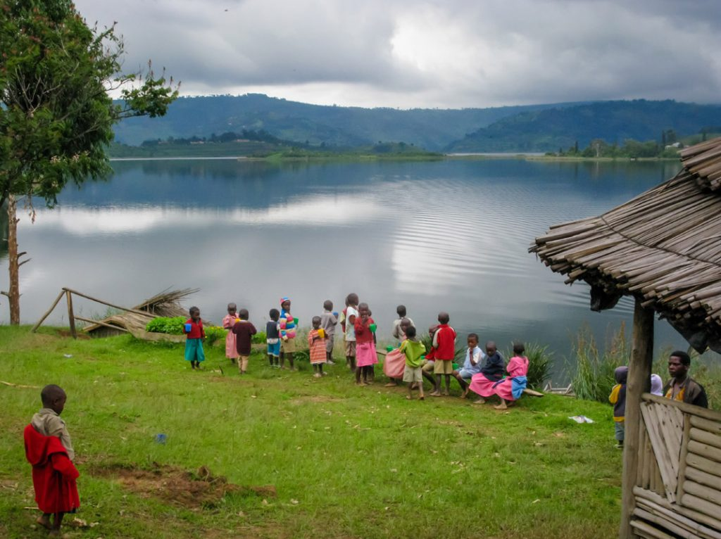 Lake Bunyonyi Uguanda - couchsurfing Africa - Sustainable Tourism - TravelRebel - Belgian travelblog