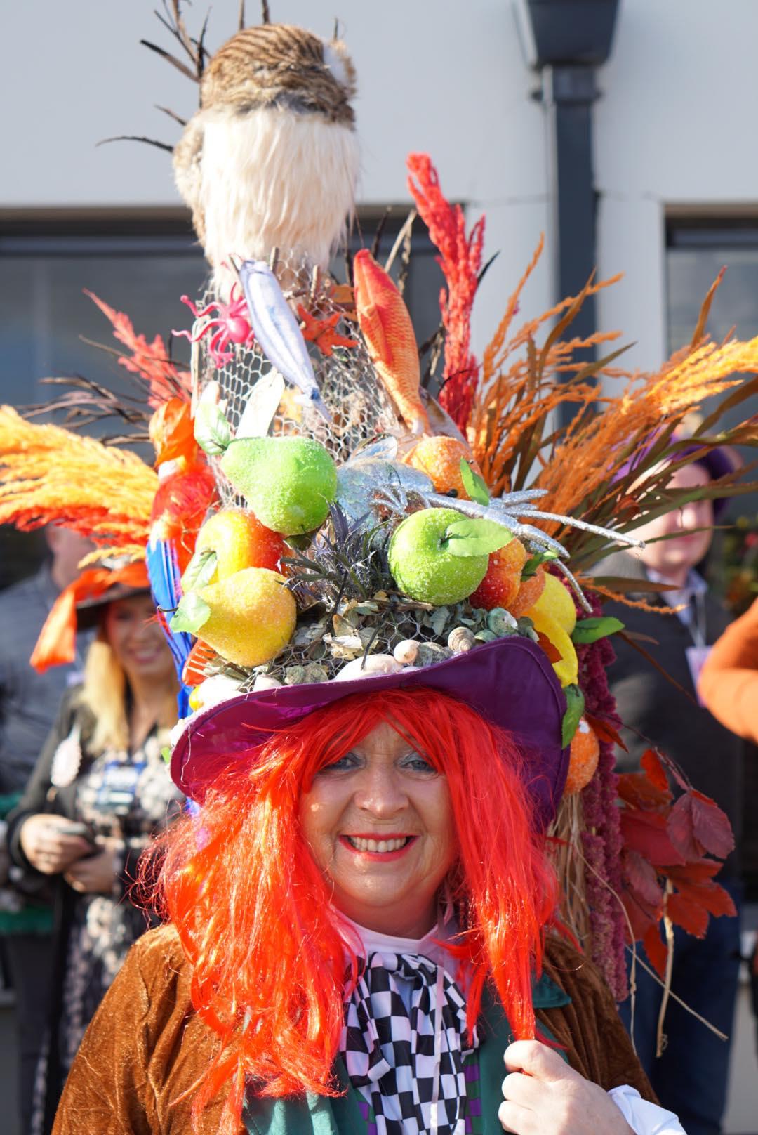 Mad Hatters Taste of Kinsale Festival, Kinsale. Elk jaar bereiden de inwoners van Kinsale zich al maanden voor op het Mad Hatters Taste of Kinsale Festival in oktober.