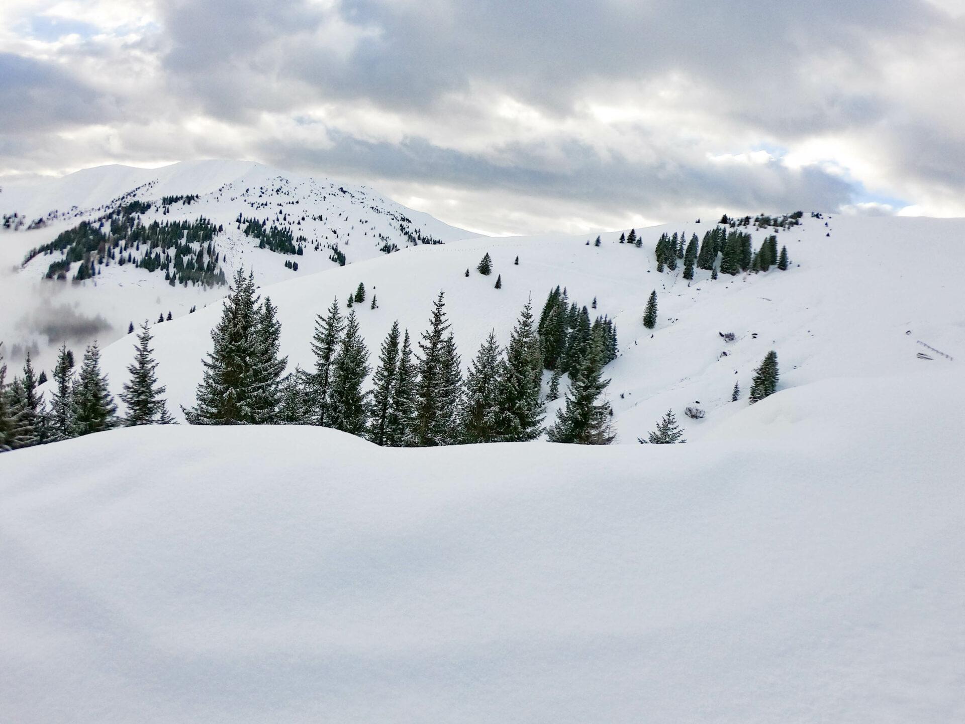Hochkönig Ski Amade Austria - empty slopes - shoulder season travelling