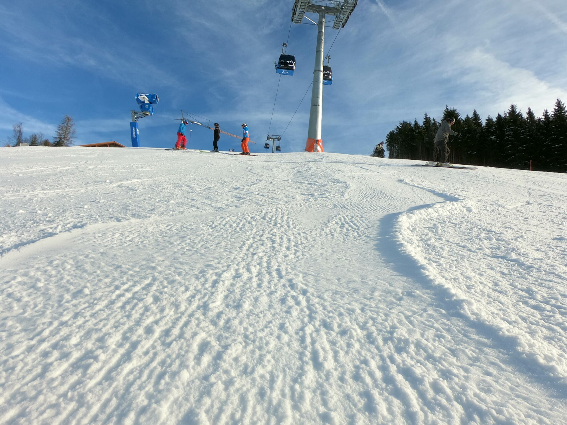 Skiing without the crowd in Austria