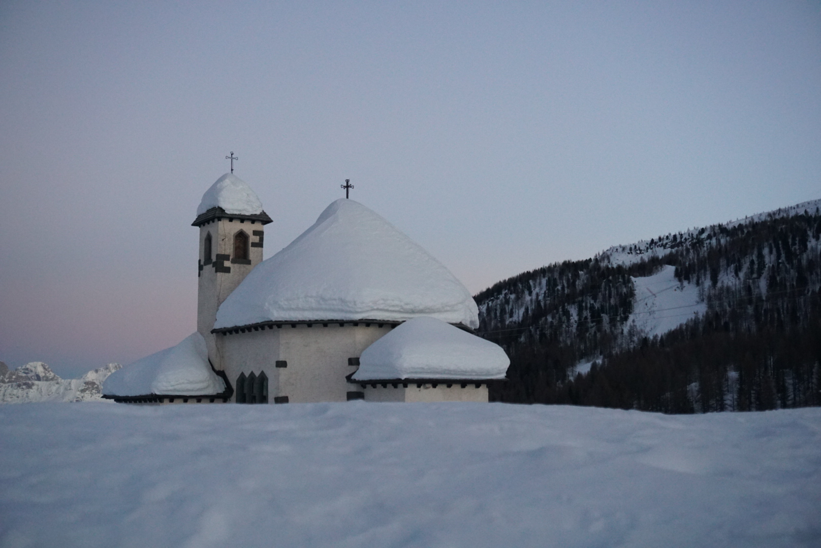 Vigo Di Fassa is een goede uitvalsbasis om te overnachten maar dat kan evengoed in Canazei, Campitello of Pozza di Fassa.