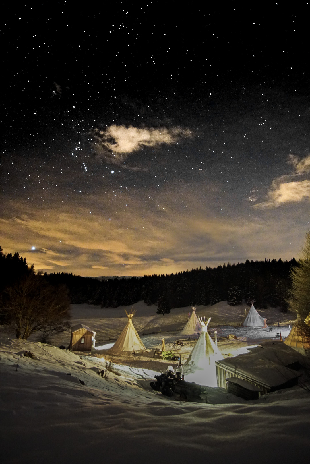 sleep in a tipi in France! It's possible in Savoie Mont Blanc, Massif des Bauges