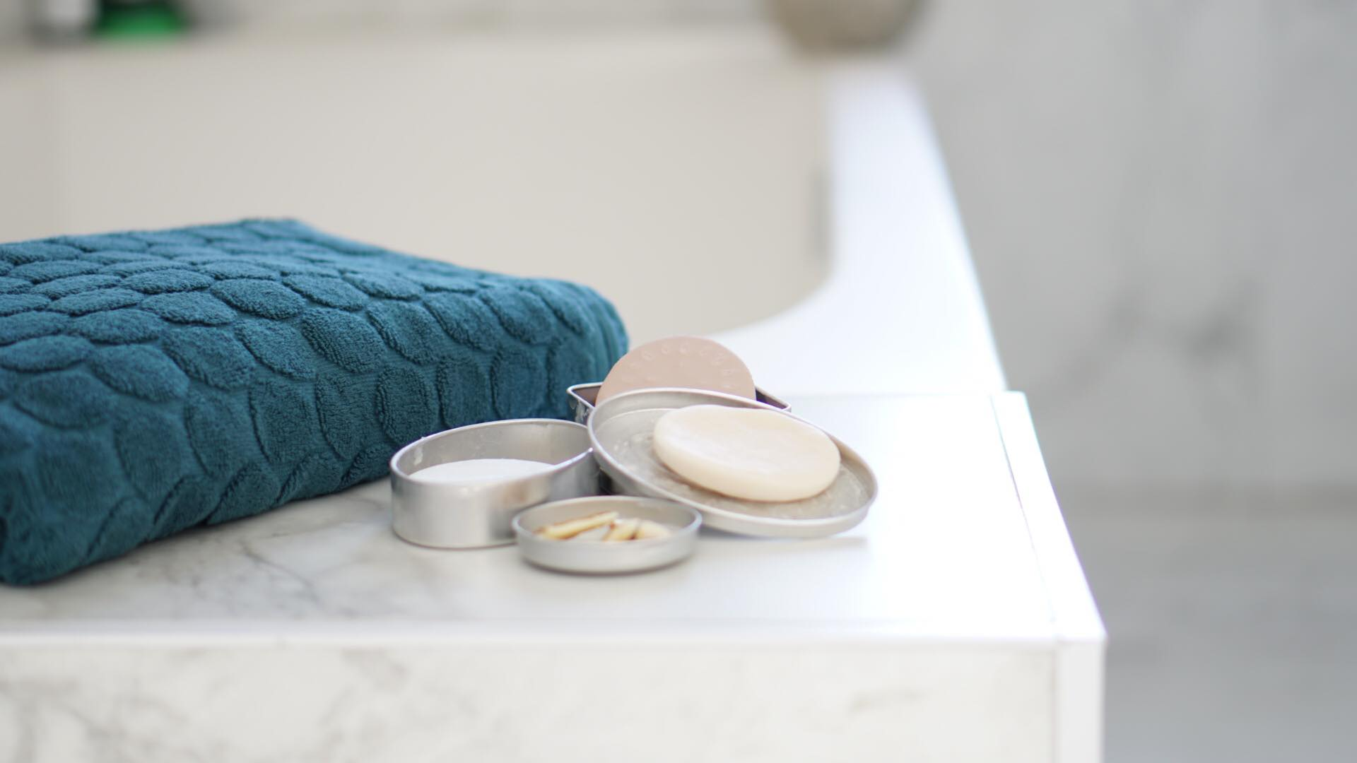 Be more sustainable - use shampoo bars