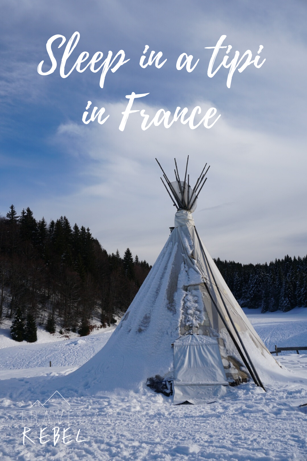 Sleep in a tipi in France