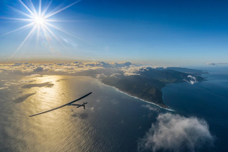 Solar Impulse flying around the world purely on solar energy  ©Solar Impulse